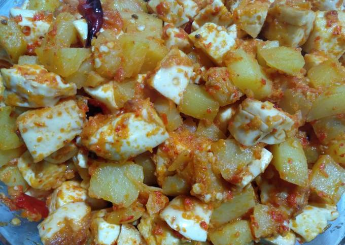 Balado kentang putih telur