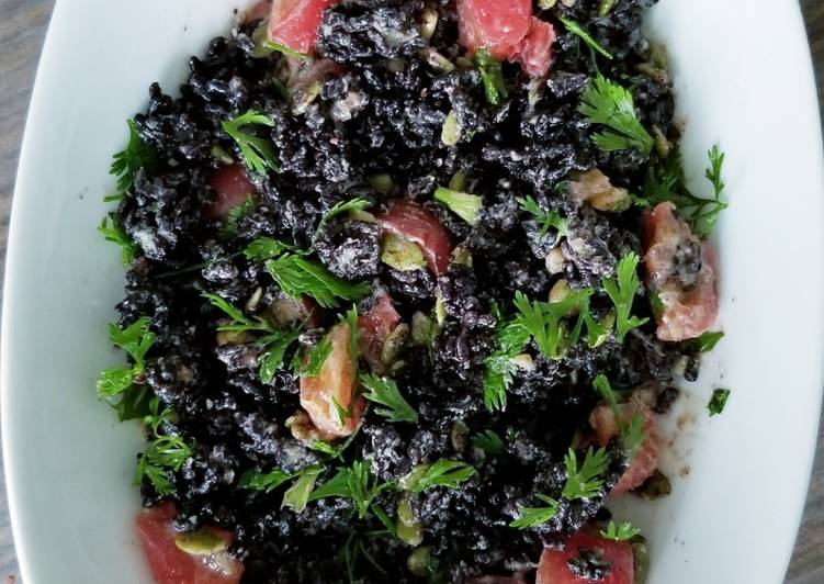 How to Make Yummy Black rice salad