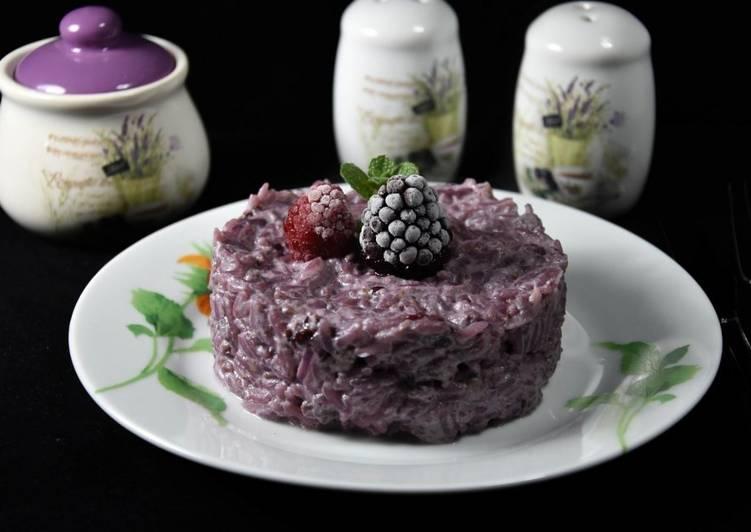 Ricetta Risotto con frutti di bosco e salsiccia aromatizzato al Merlot