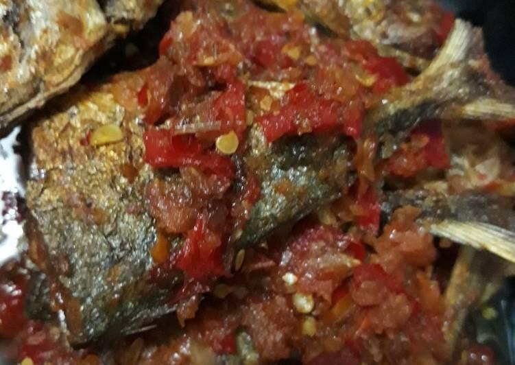 Ikan Tumis Saus Balado
