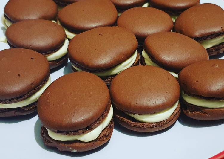 Chocolate Macarons with a White Chocolate Ganache filling