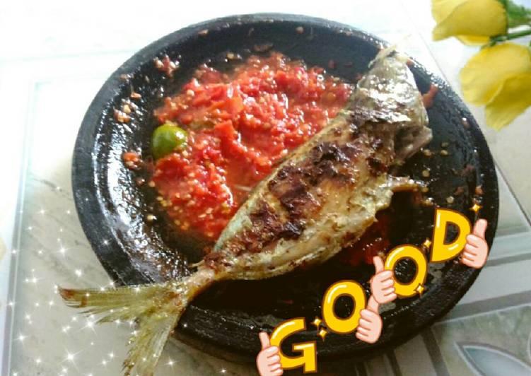 Ikan bakar sambal mentah