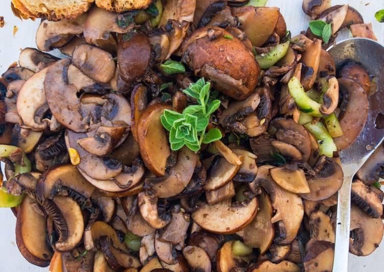 Schneller Champignons-Salat