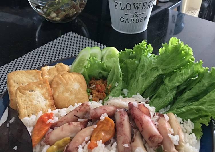 Nasi liwet cumi asin (ricecooker)
