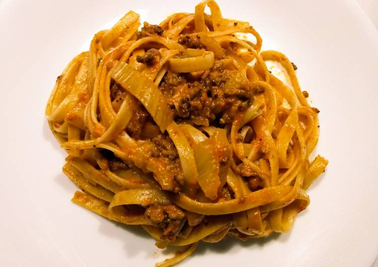Fettuccine with beef and fennel rose sauce