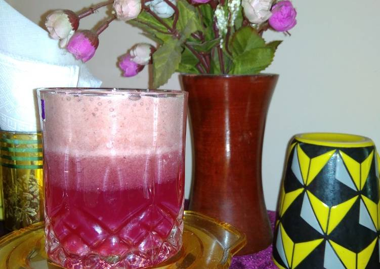 Recipe of Ultimate Layered grapes juice with smoothie