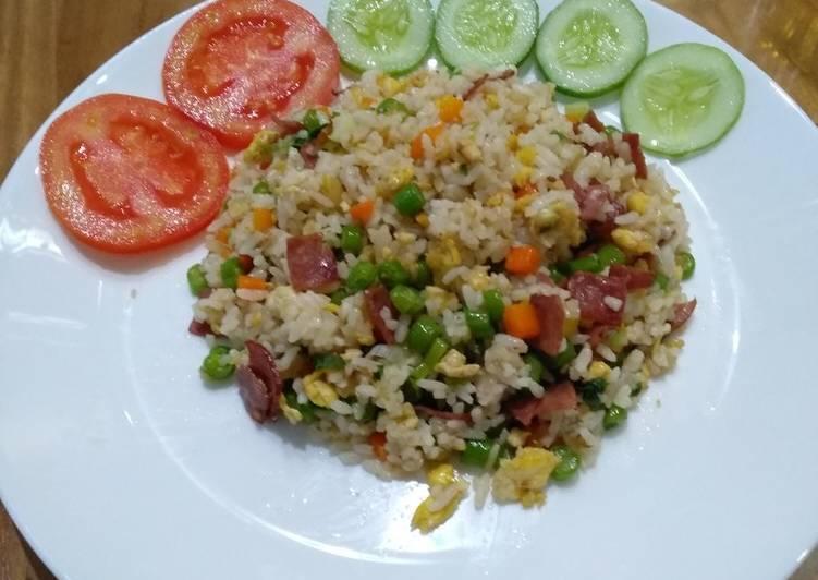 Cara membuat nasi goreng smoke beef