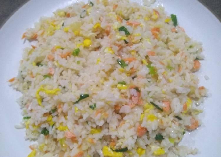 Nasi Goreng Salmon