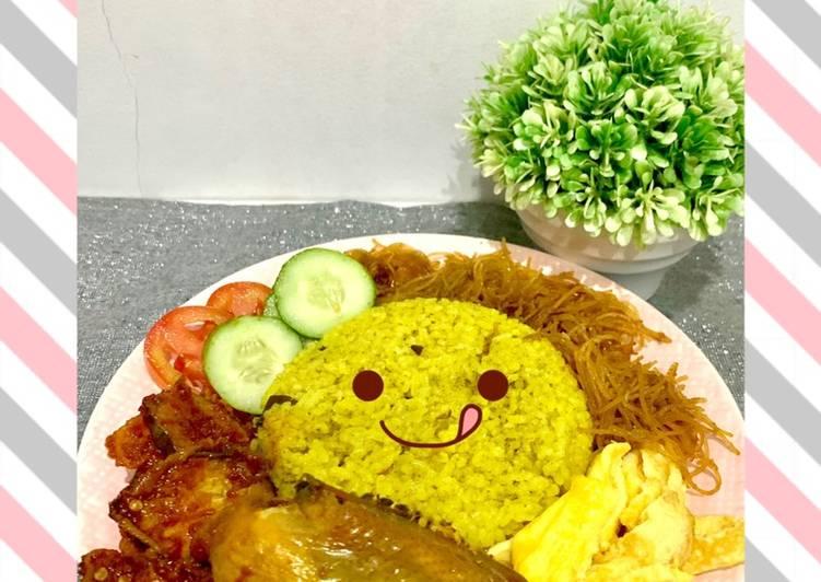 Nasi Kuning RiceCooker Ala Ibun - cookandrecipe.com