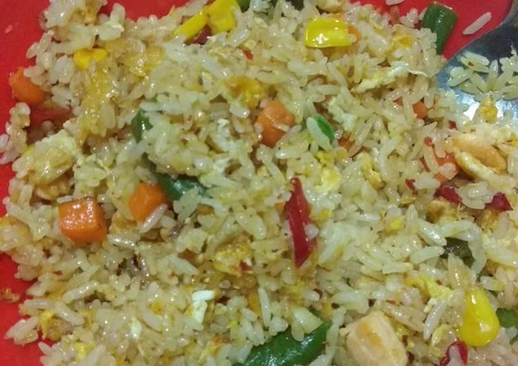 Resep Nasi goreng tuna oleh Dapursiemamii💕 - Cookpad
