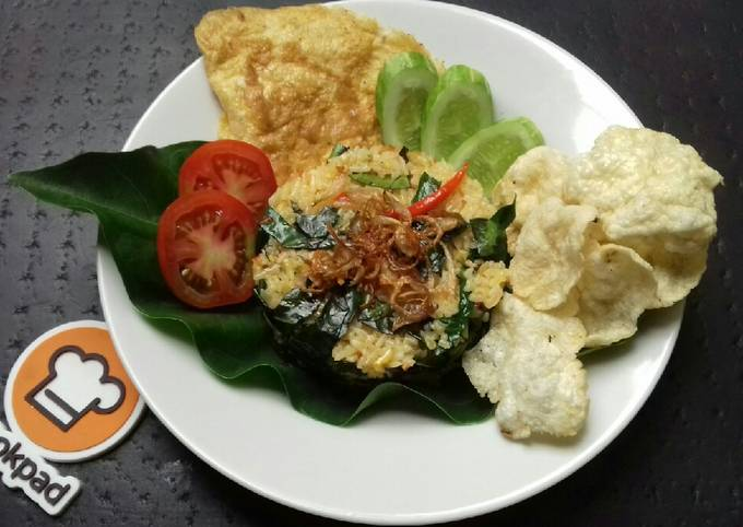Nasi Goreng Daun Mengkudu khas Betawi