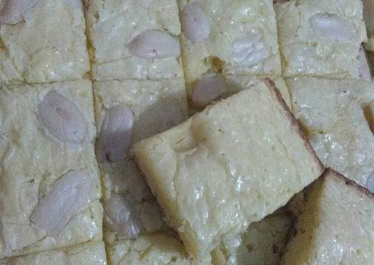 Fudgy Brownis White Cooking Chocolate