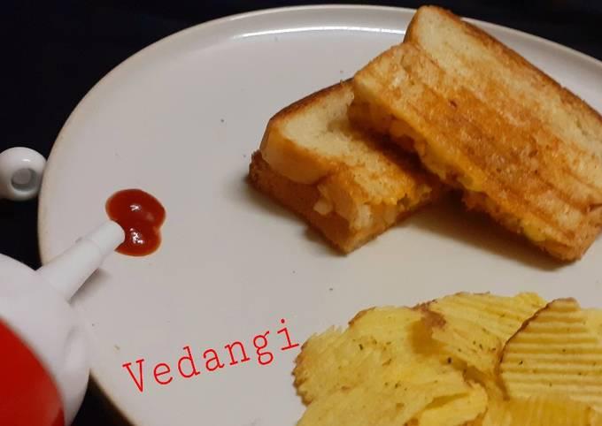 Spicy Potato & Paneer Grilled Sandwich