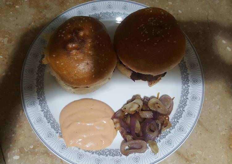 Creamy Beef Burger with Dip sauce and Caramelized Onions
