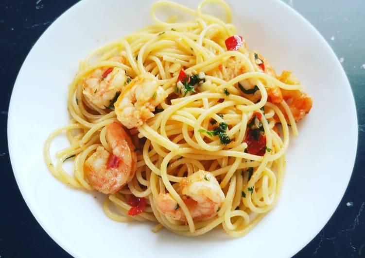 Spaghetti aglio e olio mit Gambas
