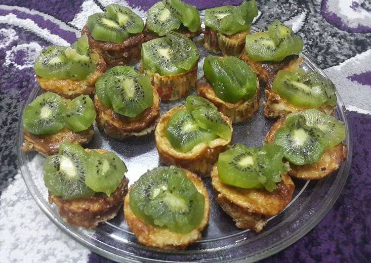 Easiest Way to Make Perfect Baked Mini Cheesecake Cups (With Kiwi Slices)