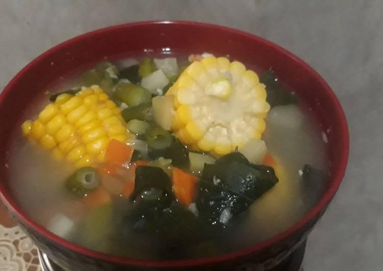 Sayur bening sederhana jagung + daun katuk