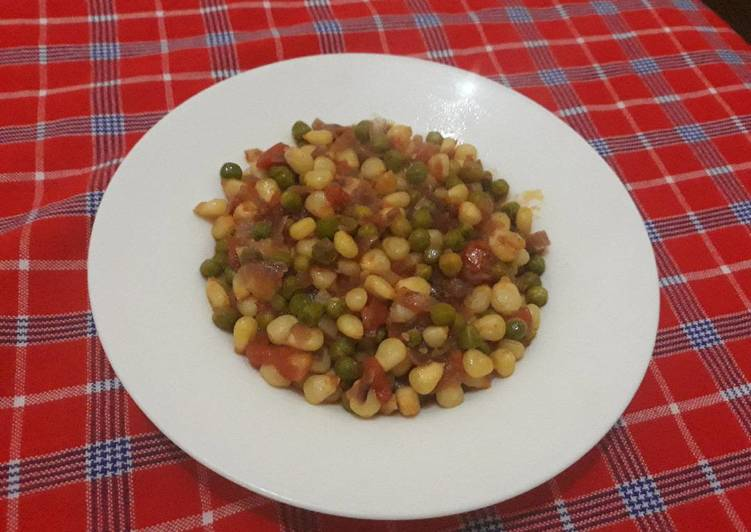Easiest Way to Make Favorite Maize and Green pease Githeri