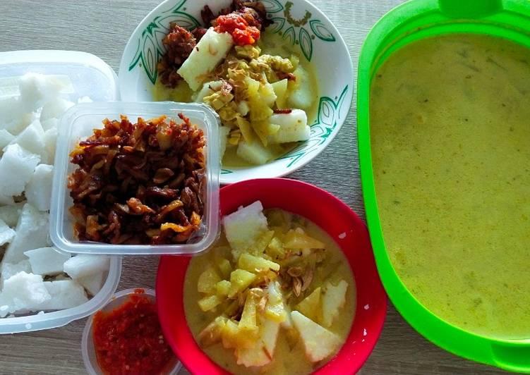 Resep Lontong Sayur Labu Siam (Sajian Spesial Hari Raya Ied Fitri) Yang Simple Dijamin Enak