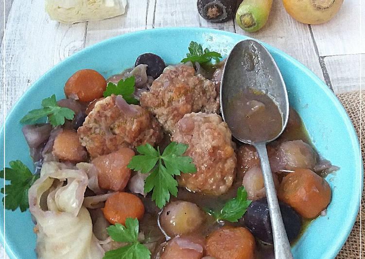 Soupe-repas au chou et boulettes au thermomix