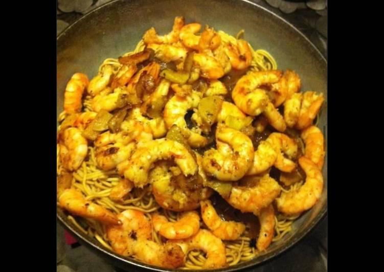 La Meilleur Recette De Nouilles chinoises sautées aux crevettes