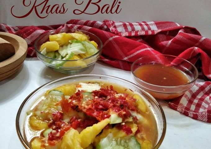 *Rujak Kuah Pindang Khas Bali*