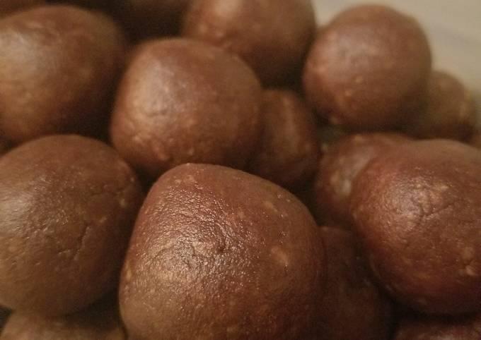 Healthy Chocolate PB Balls