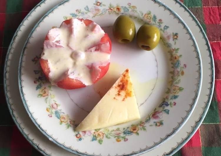 Entrada de queso y aceitunas