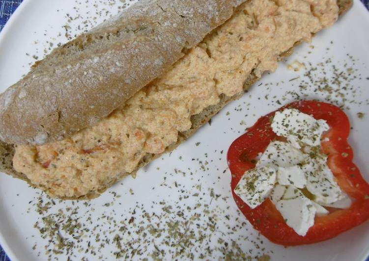 Greek Style Scrambled Eggs & Tomatoes (Strapatso me giaourti)