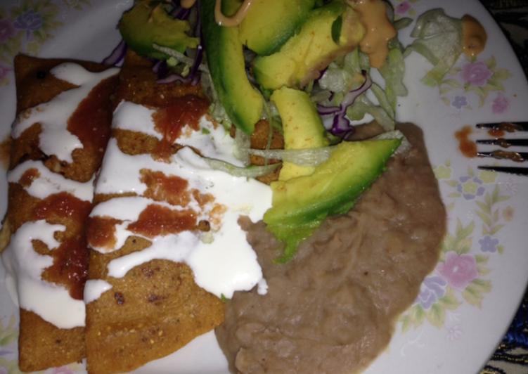 Enchiladas estilo potosina