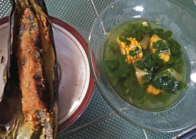 Pepes ikan pindang mangga muda feat. Sayur bening kelor