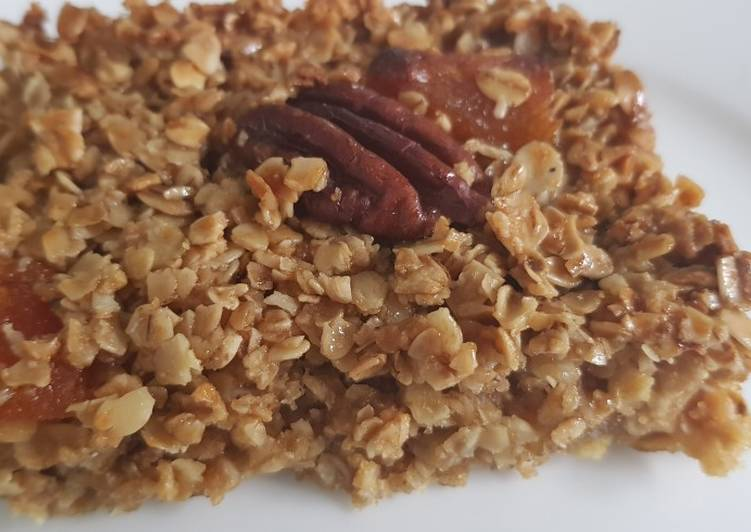 How to Prepare Homemade Apricot and pecan flapjack