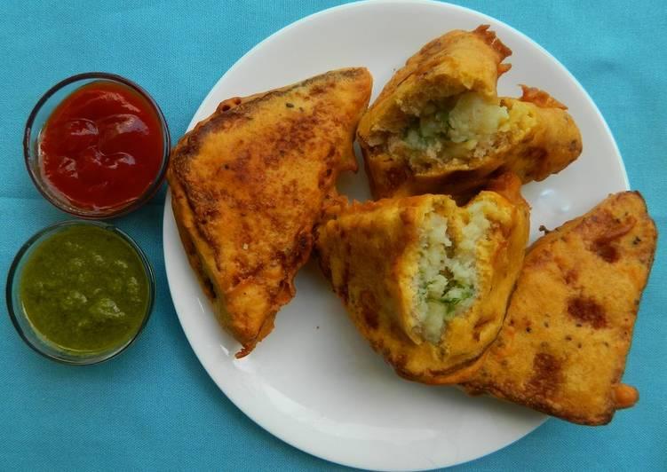 Hint to Put together Appetizing Bread pakoraBread Pakora Recipe with Stuffed Potato,