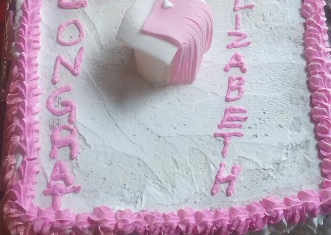 Vanilla graduation cake#authors marathon