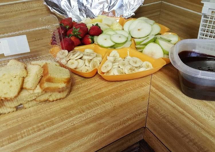 Fruit Basket Fondue