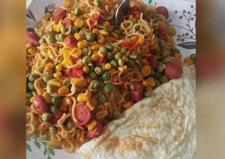 15 Minute Easiest Way to Make Spring Indomine with sausage,fried egg