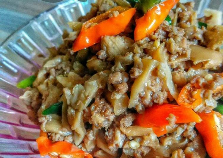 Tumis Jamur mix Daging Cincang Pedas