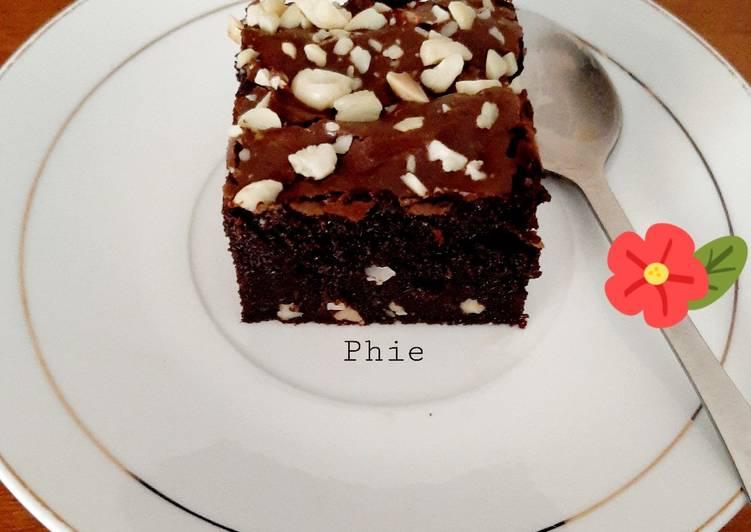 Fudgy Shiny Crust Brownies