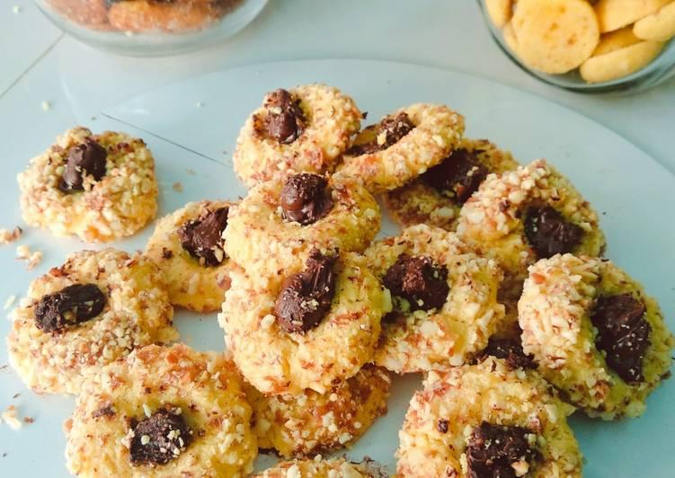 Thumbprint peanut Cookies