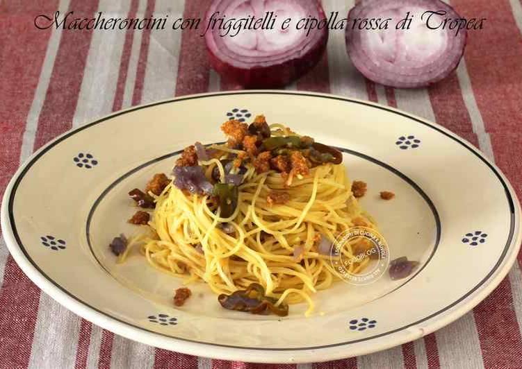 Spaghetti con cipolla rossa di Tropea e peperoni friggitelli
