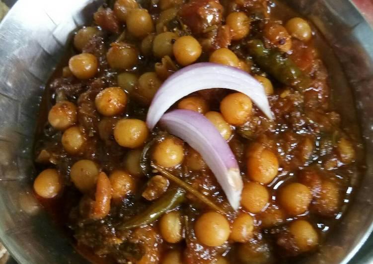 Recipe of Super Quick Homemade Safed vatana usal