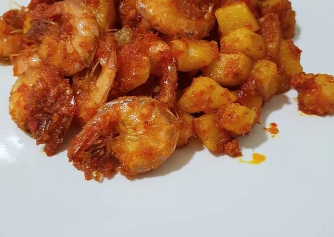 Balado kentang udang
