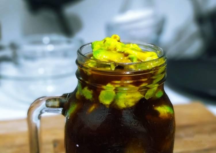 Brown Sugar Coffee with Avocado