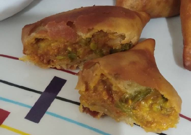 Simple Way to Prepare Top-Rated Choli Aloo Wheat Flour Samosa