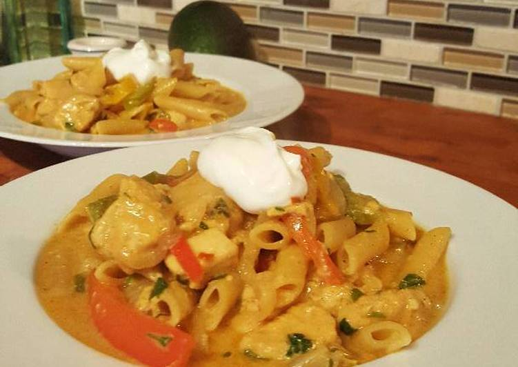 Foods That Can Make Your Mood Better Chicken Fajita Pasta