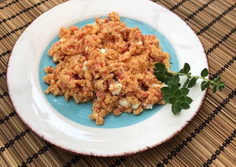 Tomato and feta eggs aka strapatsada