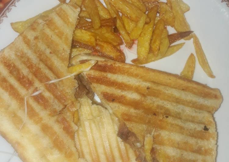 Grilled Potato sandwich with cheese