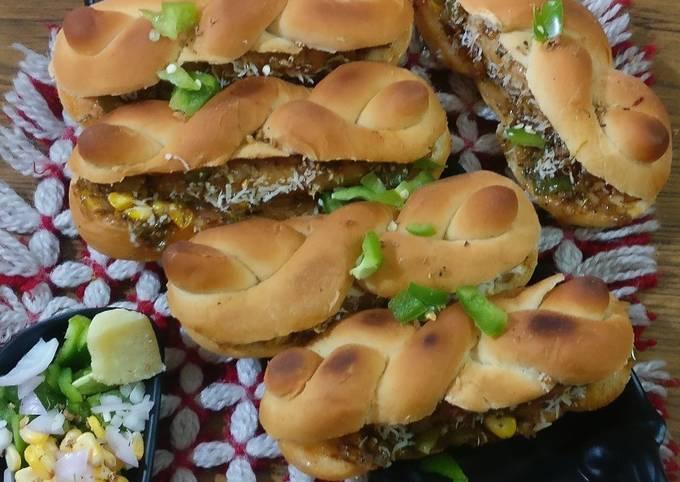 Recipe: Tasty Cheese,corn & veggies stuffed hot – dog
