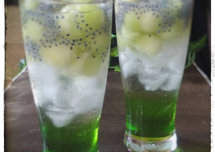 SMS (Soda Melon Selasih)