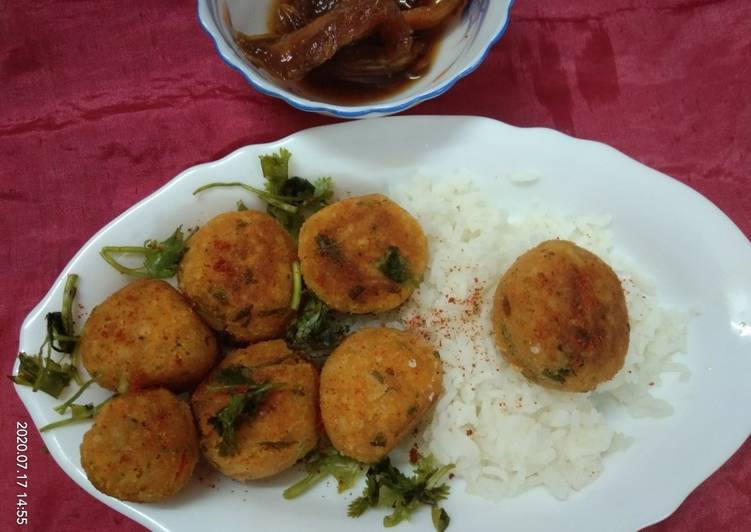 Selecting The Best Foods May Help You Stay Fit And Healthy Crispy Rice Balls